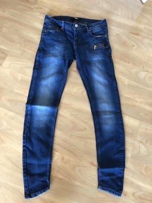 Dunkelblaue Jeans von Pull & Bear