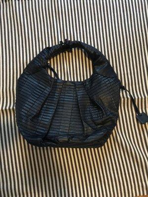 Dunkelblaue Lederhandtasche von Calvin Klein