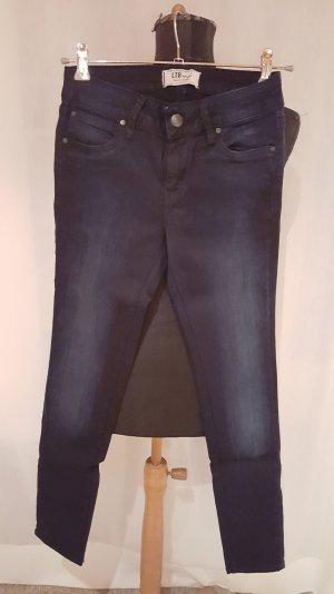 dunkelblaue LTB Jeans