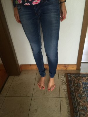 Dunkelblaue Review Jeans