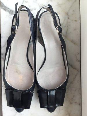 dunkelblaue Sandalen aus echtem Leder