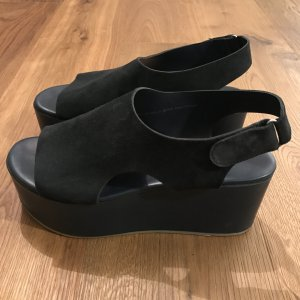 Dunkelblaue Sandalen von COS