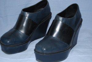 dunkelblaue Schuhe mit Keilabsatz von &Other Stories in Gr. 38,5 - 39
