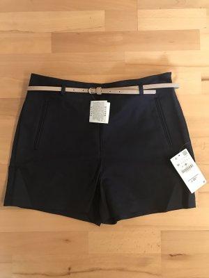 Dunkelblaue Shorts von Zara mit hohem Bund und Gürtel NEU Größe M