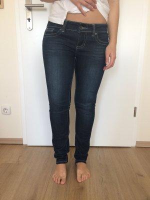 Dunkelblaue Skinny Jeans von Fishbone tiefsitzend Gr. 28 / 38
