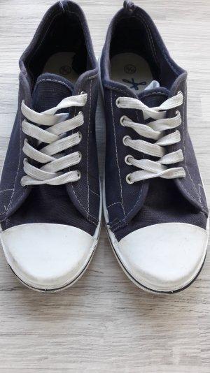 dunkelblaue Sneaker von Primark