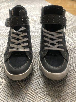 Sneaker con strappi multicolore