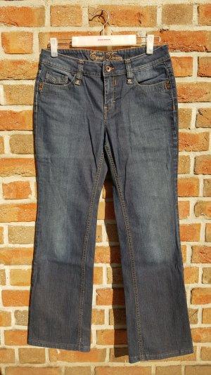 Dunkelblaue straightcut Jeans