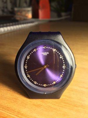 Dunkelblaue Uhr von Swatch mit Swarovski Elements aus Skin Kollektion!