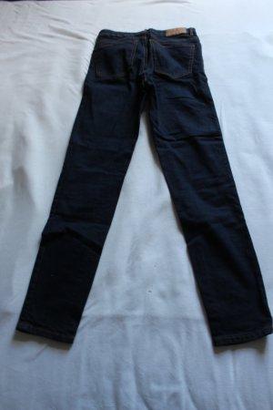 Dunkelblaue ZARA Jeans