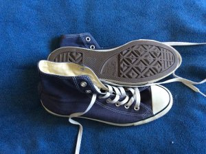 Dunkelblauer hoher Converse Sneaker in Gr. 41