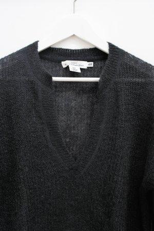 Dunkelblauer, leichter Pullover