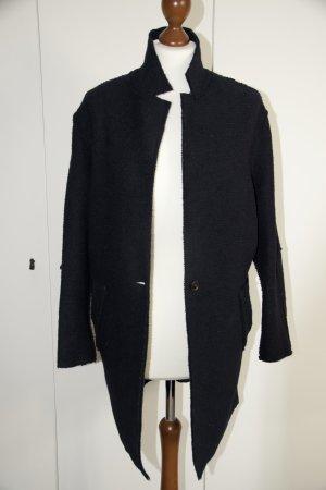 Dunkelblauer Oversized-Mantel von Zara