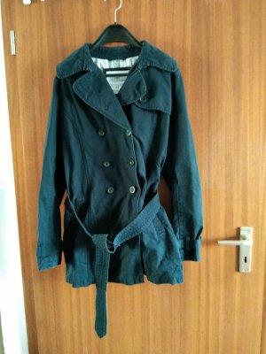 dunkelblauer Trenchcoat