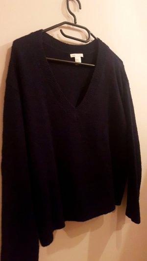 Dunkelblauer V- Pullover