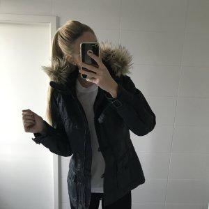 dunkelblauer Winterparka mit Pelz, Fell
