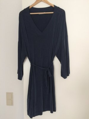 Dunkelblaues Cupro-Kleid von MANGO, Grösse s