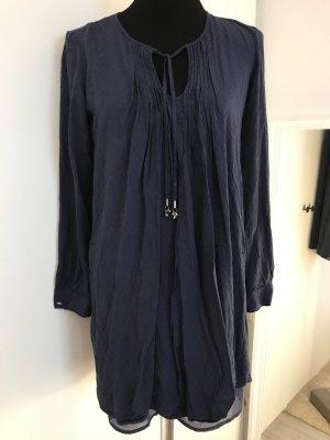 Dunkelblaues Kleid gerader Schnitt