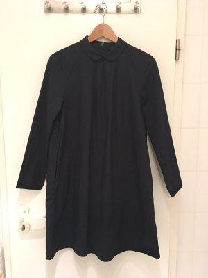 Dunkelblaues Kleid mit Bubikragen von COS in Größe 38
