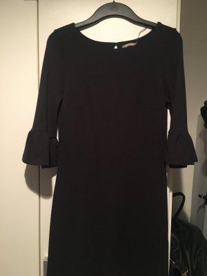 Dunkelblaues Kleid mit Volantärmeln 34