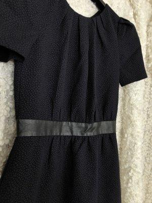 Dunkelblaues Kleid, neuwertig!