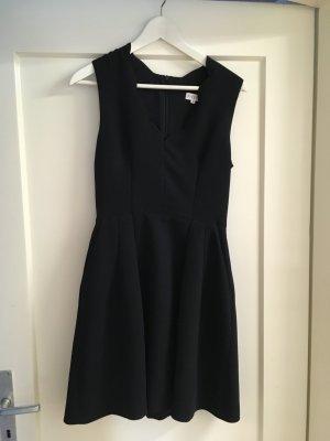 Dunkelblaues Kleid von Claudie Pierlot