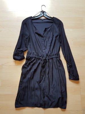 Dunkelblaues Kleid von comma