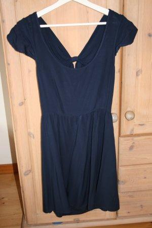 Dunkelblaues Kleid von Even&Odd mit Schleife am Rücken