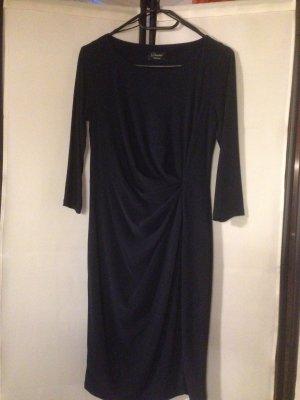 Dunkelblaues Kleid von Yessica