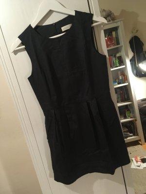 Dunkelblaues Kurzkleid von St. Emile, kaum getragen!