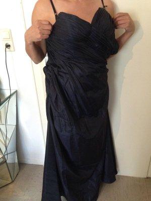 Dunkelblaues langes Kleid