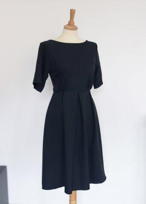 Vestido a media pierna azul oscuro-negro