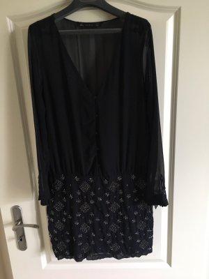 Dunkelblaues Perlen besticktes Kleid von Zara
