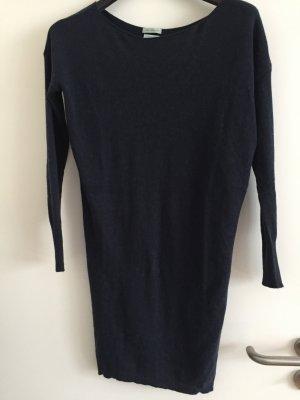 Dunkelblaues pulloverkleid von Benettom