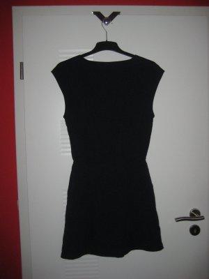 dunkelblaues sportliches Kleid mit Taschen