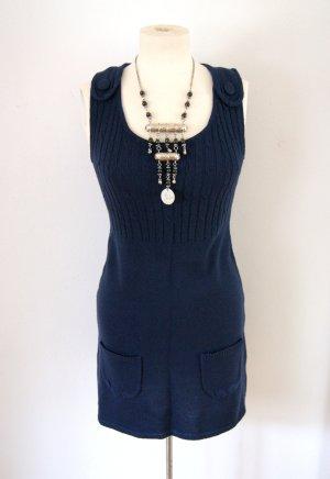 Dunkelblaues Strickkleid, lässiges Winterkleid blau, casual blogger