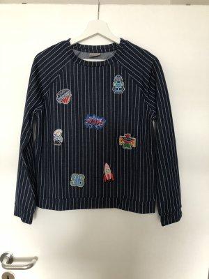 Dunkelblaues Sweatshirt mit Aufnähern Gr. S