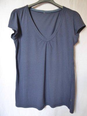 Dunkelblaues T-Shirt mit kleinem Schmetterling von QS (S.Oliver)