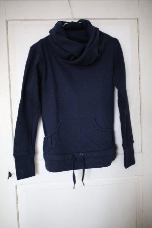 Dunkelblaues warmes Sweatshirt