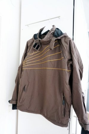 Dunkelbraune Pullover-Skijacke