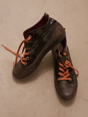 dunkelbraune Sneaker von Paul Green