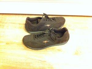 dunkelbraune Sneakers von Kangaroos