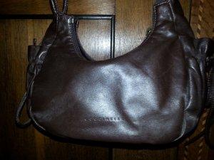 dunkelbraune Tasche von Coccinelle mit Schleifen an der Seite