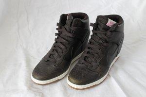 Dunkelbraune Wedges von Nike