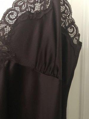 dunkelbraunes langes Seiden-Nachthemd mit Spitze und passendes Top