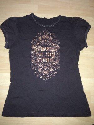 Dunkelbraunes T-Shirt