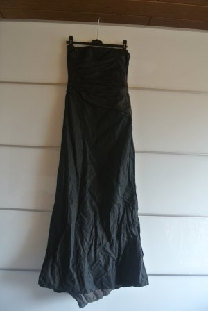 dunkelbraunes trägerloses Abendkleid in Crush-Optik