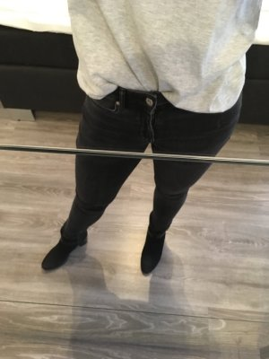 Dunkelgraue Divided Jeans