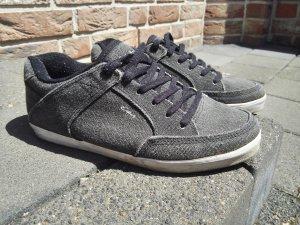 Dunkelgraue Sneaker von Circa