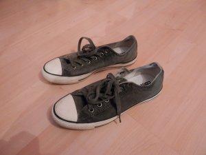 dunkelgraue Sneaker von Converse